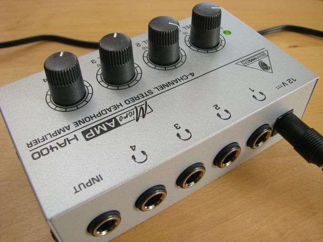 amplificator-casti-Behringer-HA400