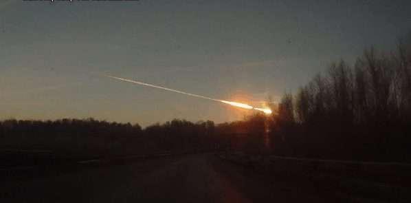 meteorit-rusia-intrat-in-atmosfera