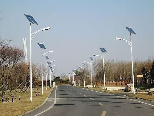 stalpi iluminat fotovoltaici