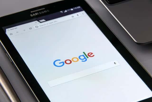 ce inseamna spam - google afisat pe tableta
