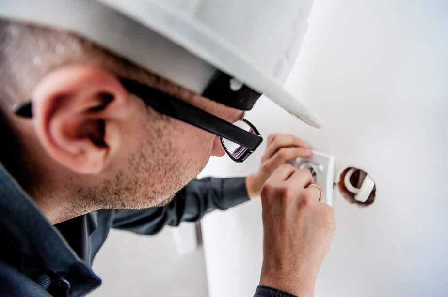 Electrician - Distribuitor de materiale electrice – precautii in cumpararea materialelor electrice
