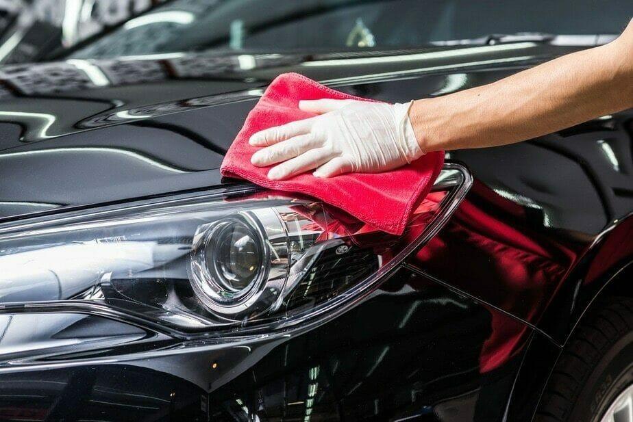 Restaurarea farurilor autoturismului prin polishare